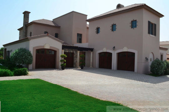 5 bedroom plus study golf course facing villa For Sale