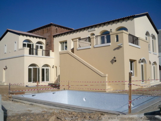 Sienna Lakes Vista Style 4 Bedroom Villa Full golf course views for sale