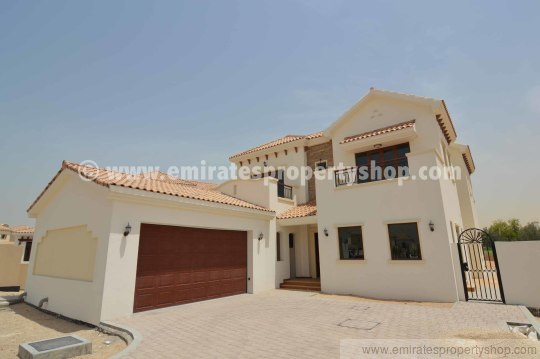 4 bedroom Castellon villa for sale in Jumeirah Golf Estates