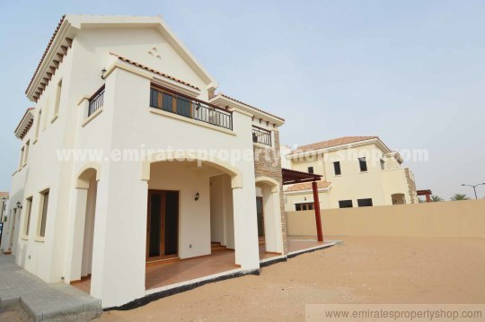 Dubai golfing community 4 bedroom villa for rent