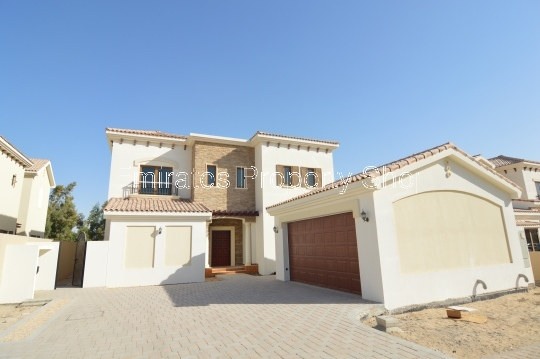 Mid Sized Family Home Located in Premium Dubai Golf Course Community