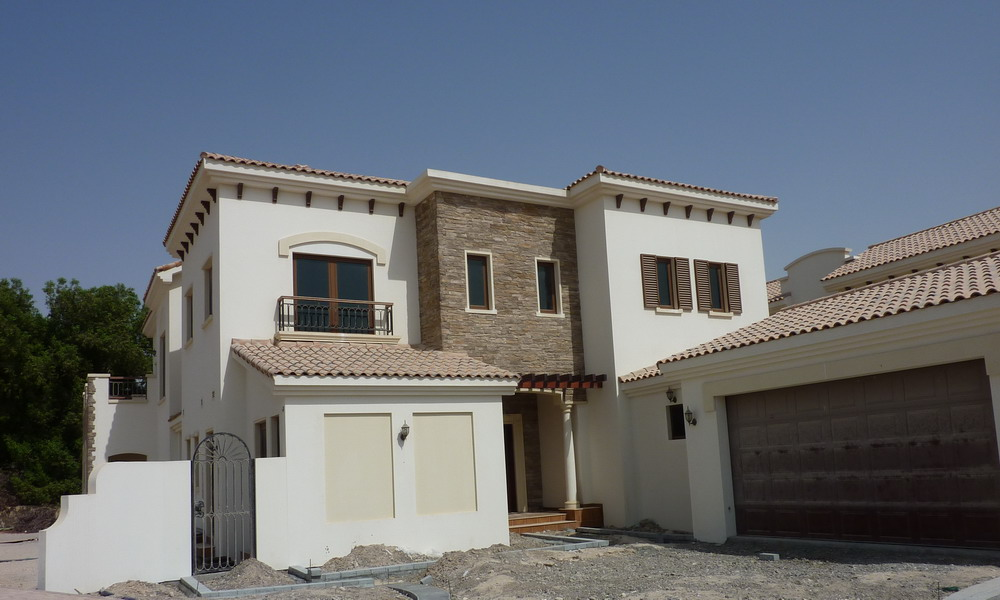 Dubai Golf Course Villa For Sale